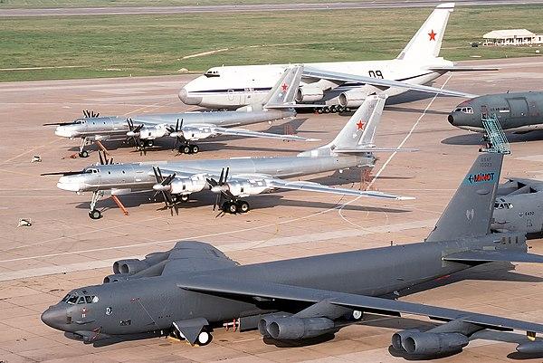 Бомбардировщик b-52  № 2853172  скачать