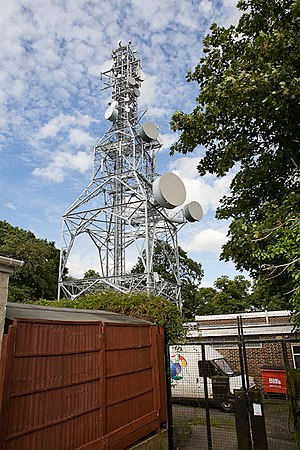 English: BT Thornhill microwave radio tower