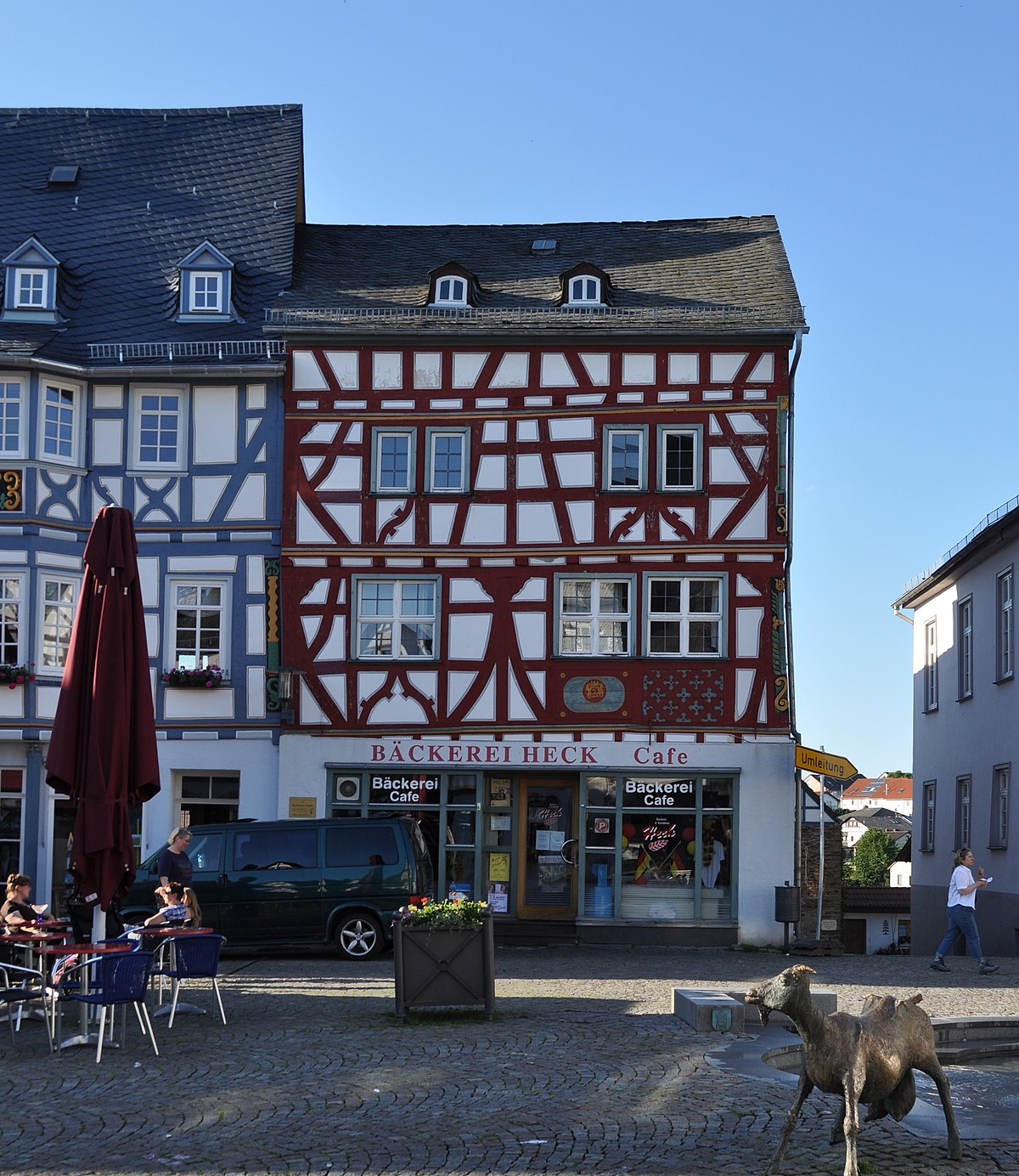 File:Bad Camberg, Marktplatz 11.JPG - Wikimedia Commons
