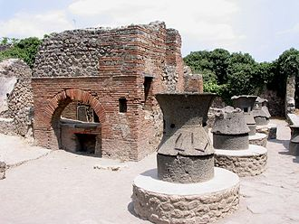 Food and dining in the Roman Empire - A mill and bakery complex at Pompeii