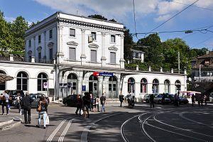 Stadelhofen station building
