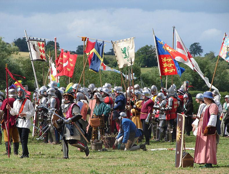 File:Battle of Tewkesbury reenactment - pre-clash preparation.jpg