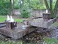 Bayreuth Universitätsstrasse, Kreuzsteinbad-Brunnen, 07.09.07.jpg