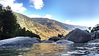 Kullu Valley - Image: Beas River, Kullu Valley