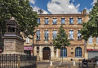 Beaumont-de-Lomagne - Image: Beaumont de Lomagne Hôtel Toureil Actuelle Mairie IA00038967