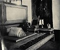 Bed and Privy Chamber of the Chakraphat Phiman Hall.jpg