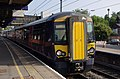 Bedford railway station MMB 10 377506.jpg