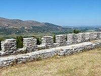 Berat - Festung 3 Zinnen bei Hagia Triada.jpg