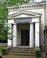 Berlin, Kreuzberg, Bergmannstrasse, Dreifaltigkeitsfriedhof II, Mausoleum Cuno Horkenbach.jpg