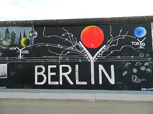 Beautiful Berlin Wall6279.JPG