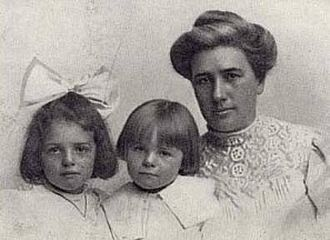 Bessie Maddern London and daughters, Joan and Becky Bessie Maddern London and daughters.jpg