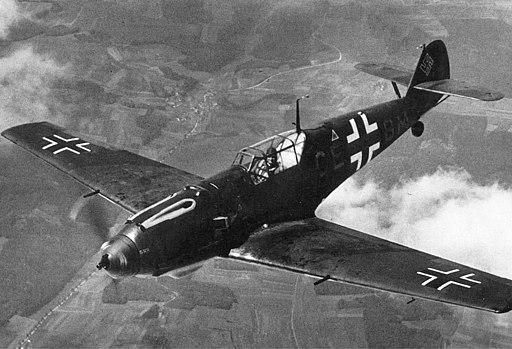 Bf 109E-3 in flight (1940)