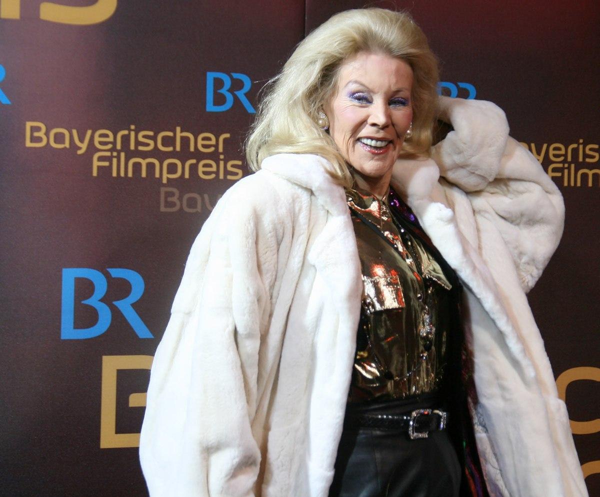 Birgit Bergen Nude Photos 31