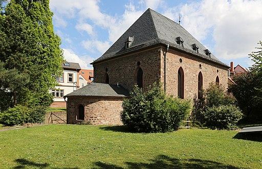 Blick vom Synagogengarten auf die Südwestecke der Synagoge Worms und die Raschi-Jeschiwa (UNESCO-Welterbe SchUM-Stätten)
