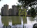 Bodiam Castle from the back - geograph.org.uk - 1265391.jpg