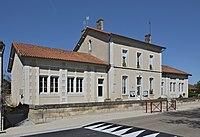 Bors 16 Mairie-école 2014.jpg