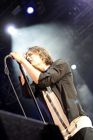 Brandon Boyd - Boyd performing with Incubus in 2007.