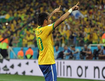 e29d997853 Neymar comemorando a vitória sobre a Croácia na estreia da Copa do Mundo  FIFA de 2014