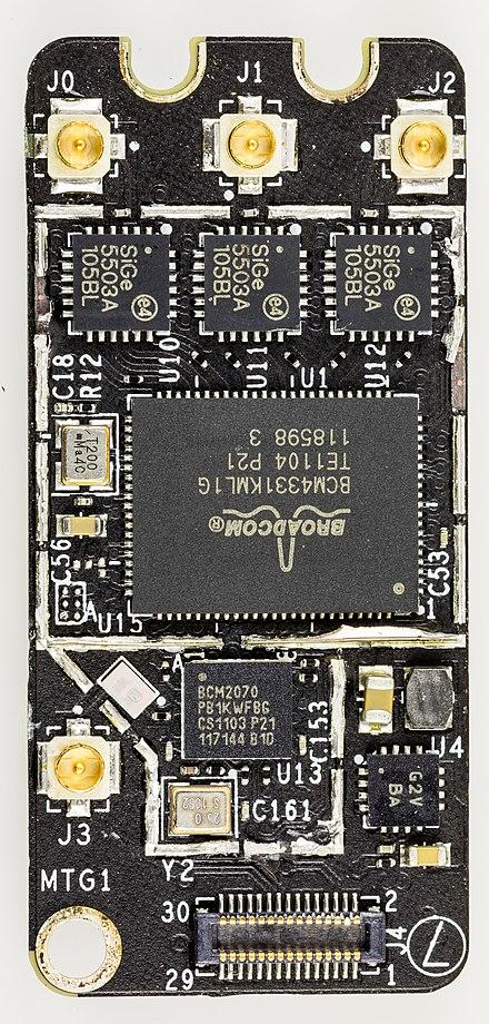 плата Broadcom BCM94331PCIEBT4 с SMD-разъёмами типа MMCX (англ.) на 50 ом для подключения Wi-Fi и Bluetooth-антенн