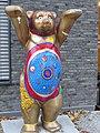 Buddy Bear vor der Nepalesischen Botschaft in Berlin-Charlottenburg, 2020-11, ama fec.JPG