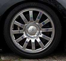 Bugatti Veyron 16.4 – Alufelge, 5. April 2012, Düsseldorf.jpg