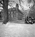 Bundesarchiv B 145 Bild-F052623-0010, Eifel, Schloss Gymnich im Winter.jpg