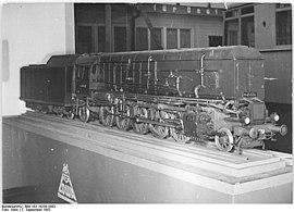 Bundesarchiv Bild 183-16200-0082, Leipziger Messe, Kohlenstaublok-Modell H 45024