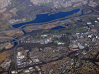 Strathclyde Country Park - Image: Burnbank and Strathclyde Loch from the air (geograph 5716687)