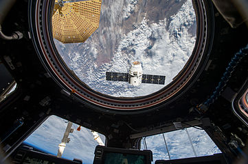 CRS-8 Dragon from ISS (ISS047E050792).jpg