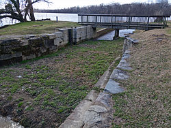 C and O Tidewater lock and Potomac River.jpg