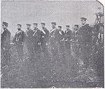 Cañon de desembarco del crucero 'Uruguay' en columna de marcha.jpg