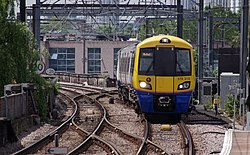 Camden Road railway station MMB 15 378212.jpg