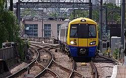 Camden Road railway station MMB 15 378212.jpg