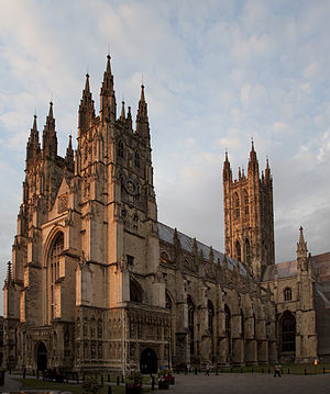 Canterbury Cathedral evening (4902497028).jpg