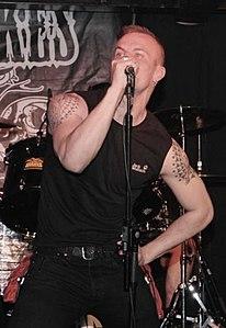 Carlo, The Snakes frontman in 2009.jpg