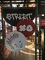 Cartel en la entrada del restaurante StreetXO.jpg