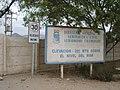 Carteles en el ingreso al aeródromo Chamonate - panoramio.jpg
