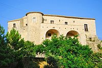 Casalduni - Castello Ducale - vista dal basso.jpg
