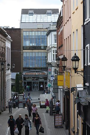 Richmond Centre (Derry) - Shipquay Street entrance to Richmond Centre, August 2009