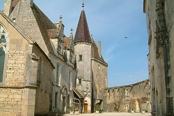Chateau Chateauneuf 2.jpg