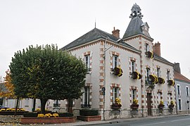 The town hall in Chevilly