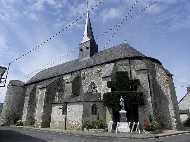 Église Saint-Pierre et Saint-Paul de Chigné(49). Chevet et flanc sud.