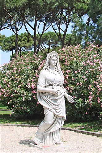 The Fall of the Roman Empire (film) - Juno statue from the movie, displayed at the Cinecittà studios in Rome, Italy