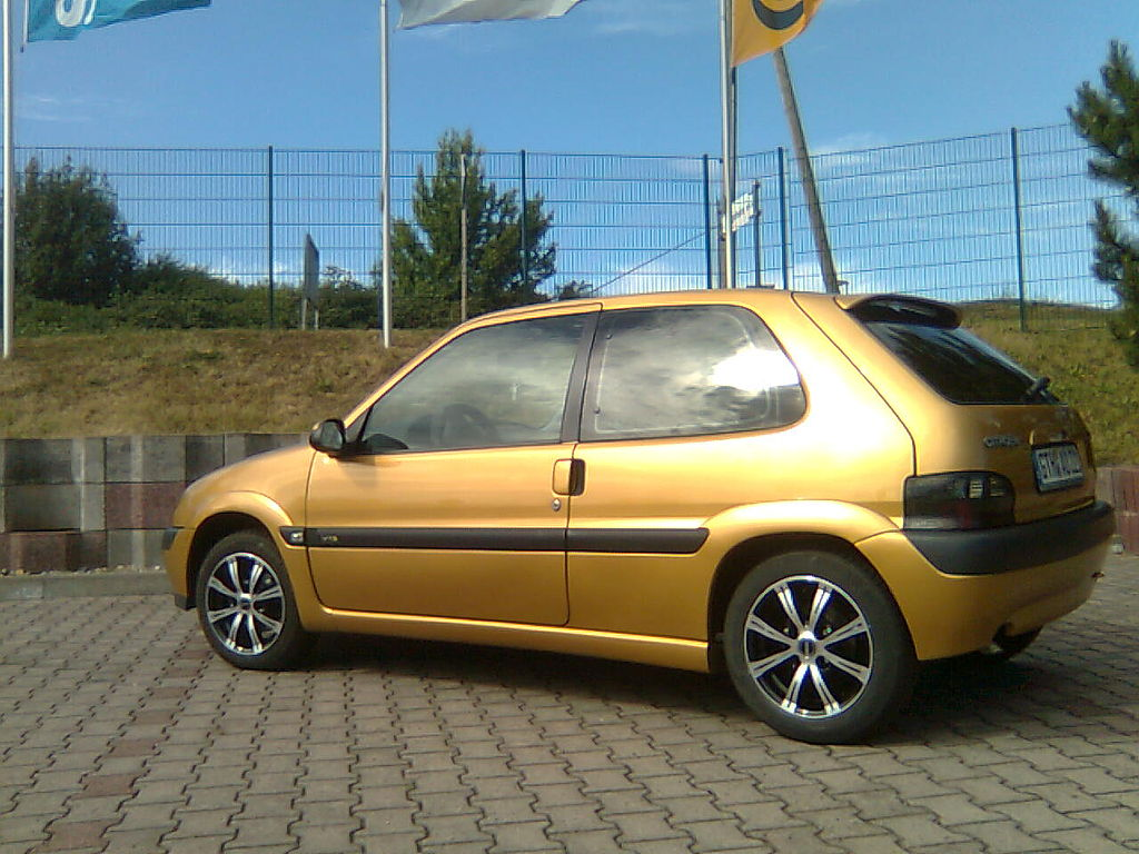 file citroen saxo 1 4 vts gold jpg wikimedia commons. Black Bedroom Furniture Sets. Home Design Ideas