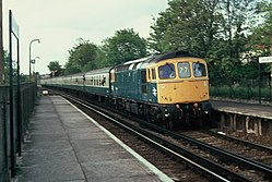 Class 33 at Sanderstead railway station (1983) 05.JPG