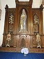 Cliponville (Seine-Mar.) église, autel latéral de La Vierge Maria reine.jpg