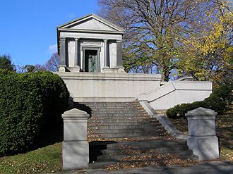 Collis Potter Huntington - The mausoleum of Collis P. Huntington