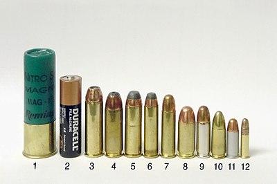 "Common handgun cartridges. Left to right: 3 inch 12 ga magnum shotgun shell (for comparison), size ""AA"" battery (for comparison), .454 Casull, .45 Winchester Magnum, .44 Remington Magnum, .357 Magnum, .38 Special, .45 ACP, .38 Super, 9 mm Luger, .32 ACP, .22 LR"