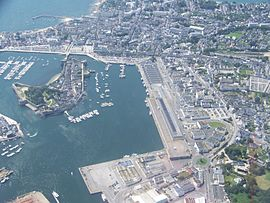 Concarneau's harbour and centre