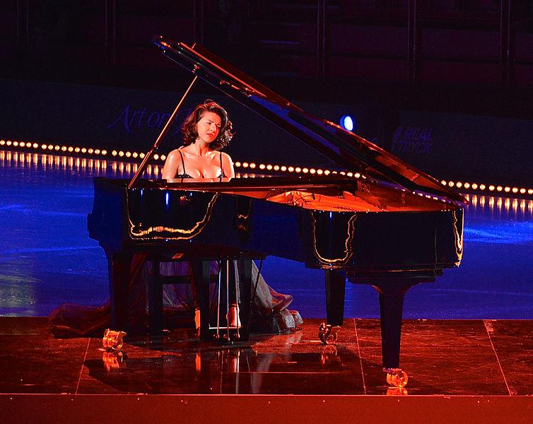 File:Concert pianist Khatia Buniatishvili on the podium of Art on Ice 2014-2.jpg
